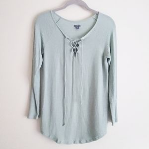 💐 Aerie long-sleeved lace-up top sage green XS
